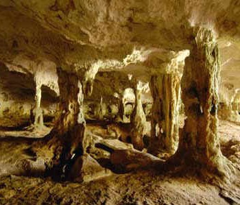 middle_caicos_limestone_cave